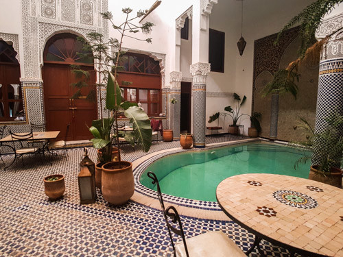 Trekkingtour Atlasgebirge, Riad Innenhof in Marrakesch